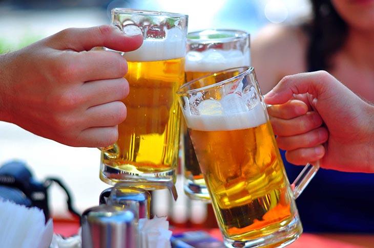 Bia là một trong những đồ uống chứa cồn gây hại cho sức khỏe