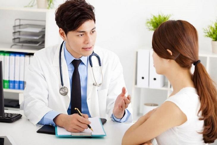 Người bệnh nên chủ động thăm khám bệnh khi nghi ngờ có dấu hiệu bệnh