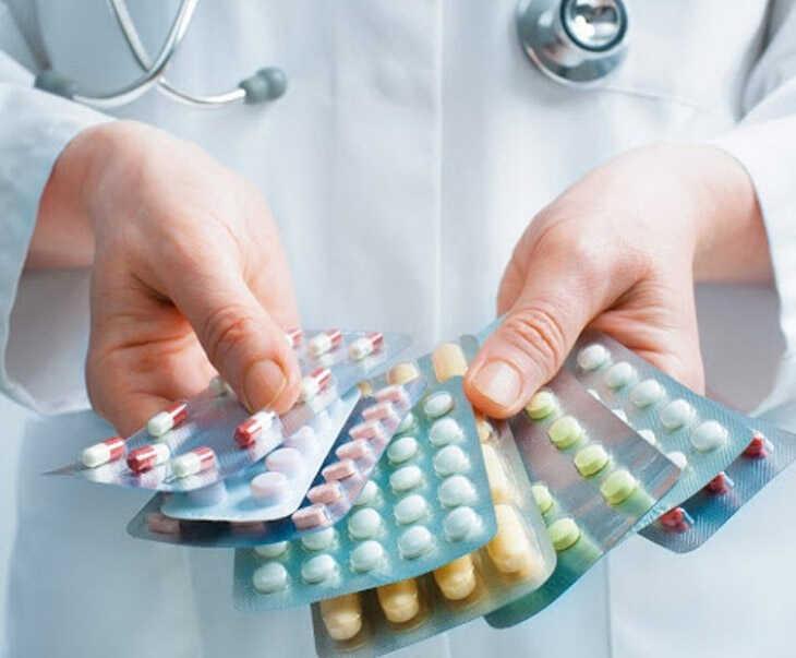 Thuốc kháng sinh giúp tiêu diệt vi khuẩn, virus gây bệnh viêm xoang