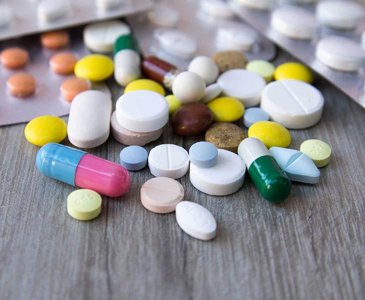 Thuốc tây là phương pháp được sử dụng phổ biến trong điều trị bệnh
