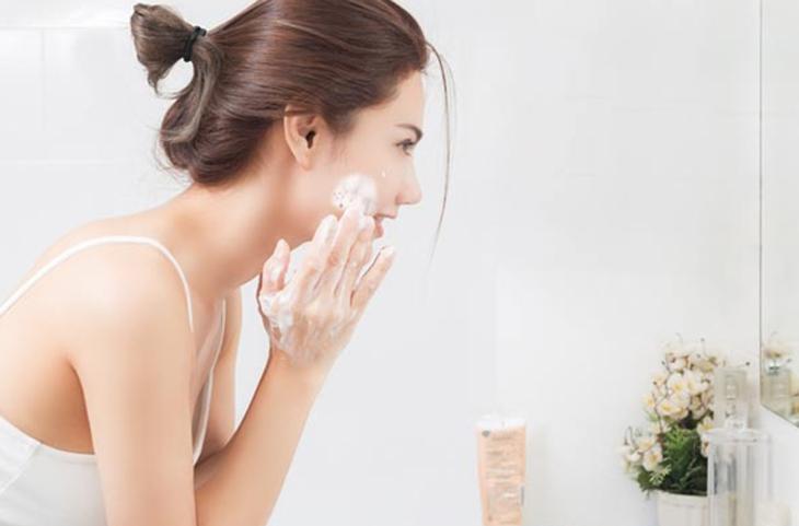 Chăm sóc da thường xuyên để có làn da luôn khỏe mạnh