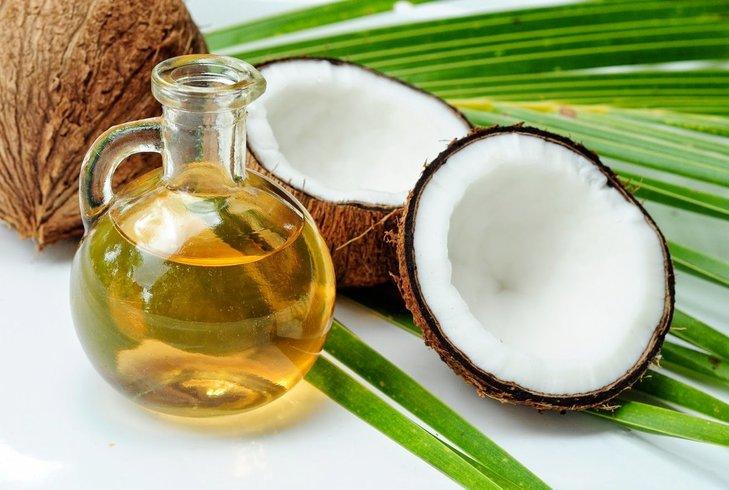 Trị vảy nến bằng lá trầu không kết hợp dầu dừa cho hiệu quả tốt hơn