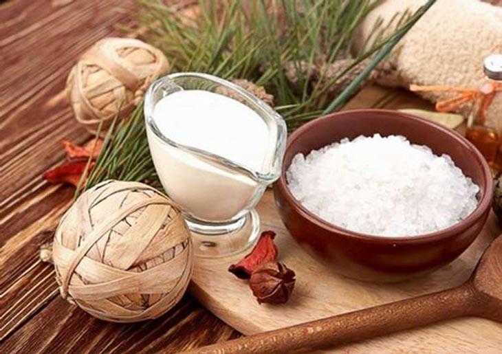 Kết hợp muối và sữa chua trị viêm nang lông hiệu quả