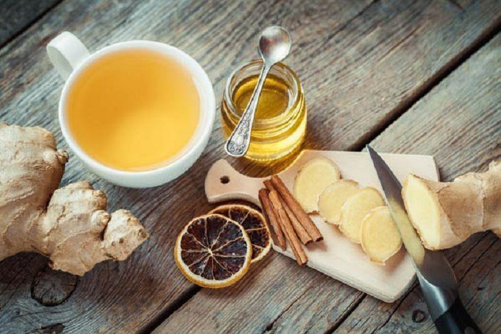 Uống trà gừng mật ong sẽ giảm các triệu chứng ho ở trẻ