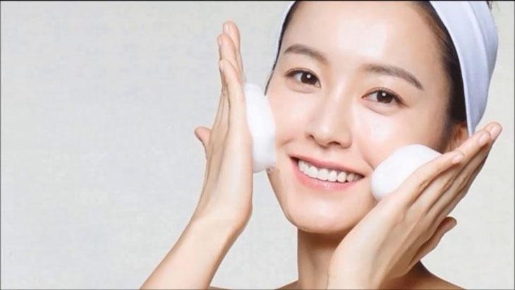 Da nhiễm corticoid có chữa được không phụ thuộc một phần vào cách chăm sóc da