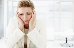 Viêm âm đạo do thiếu nội tiết gây ảnh hưởng nhiều đến sức khỏe và tâm lý chị em