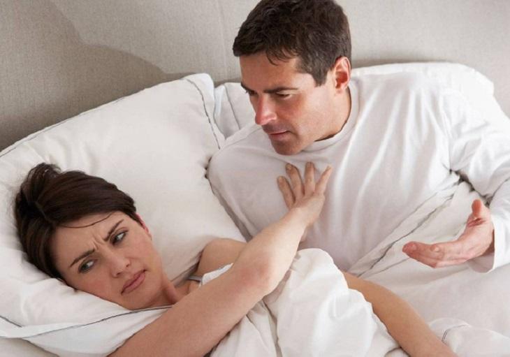 Viêm âm đạo do thiếu hụt nội tiết gây ảnh hưởng đến chuyện chăn gối
