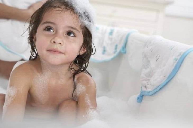 Viêm âm đạo do thói quen vệ sinh vùng kín không đúng cách
