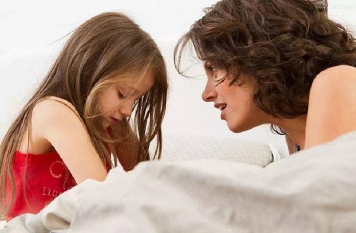 Viêm âm đạo ở trẻ em khiến các bé lo lắng và sợ hãi