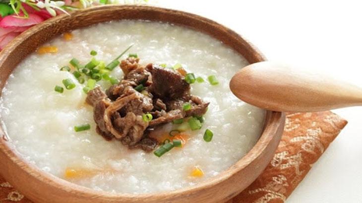 Món cháo thịt bò đậu xanh giúp hồi phục năng lượng cho người bệnh