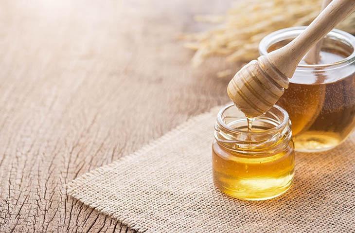 Sử dụng mật ong để hỗ trợ tăng sức đề kháng, đẩy lùi chứng bệnh viêm amidan hốc mủ