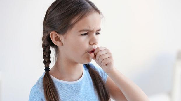 Trẻ bị viêm amidan mãn tính có thể gây ra biến chứng nguy hiểm
