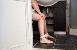 Viêm cổ tử cung mãn tính có chữa được không? Ảnh hưởng sức khỏe không?