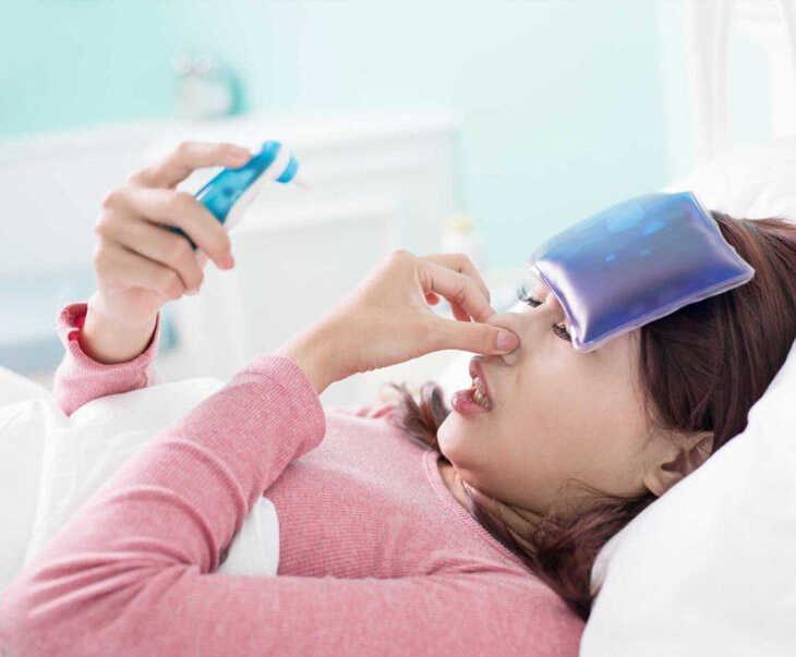 Viêm xoang gây sốt khiến người bệnh luôn cảm thấy mệt mỏi