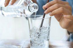 Tìm hiểu viêm xoang uống nước đá được không?