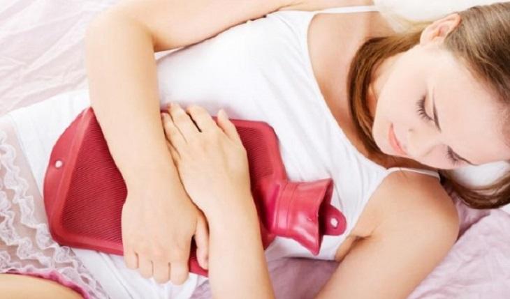 Rong kinh là tình trạng chu kỳ kinh nguyệt kéo dài bất thường khiến chị em mệt mỏi và khó chịu