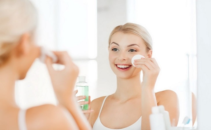 Để phòng ngừa và trị ngứa da mặt, bạn hãy thường xuyên rửa mặt