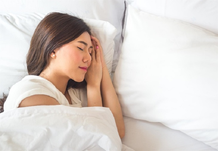 Chị em nên đi ngủ trước 11 giờ khuya để có sức khỏe tốt nhất
