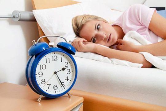 Sự mất cân bằng nội tiết tố khiến phụ nữ gặp tình trạng mất ngủ