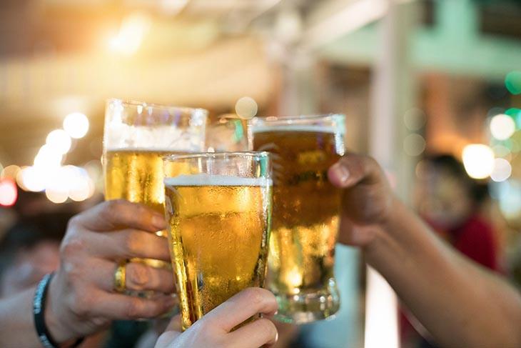 Hạn chế tối đa việc dung nạp các đồ uống có cồn để tránh rối loạn cương dương ở nam giới