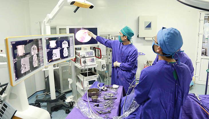 Biện pháp ngoại khoa sớm chữa khỏi bệnh nhưng tiềm ẩn nhiều rủi ro