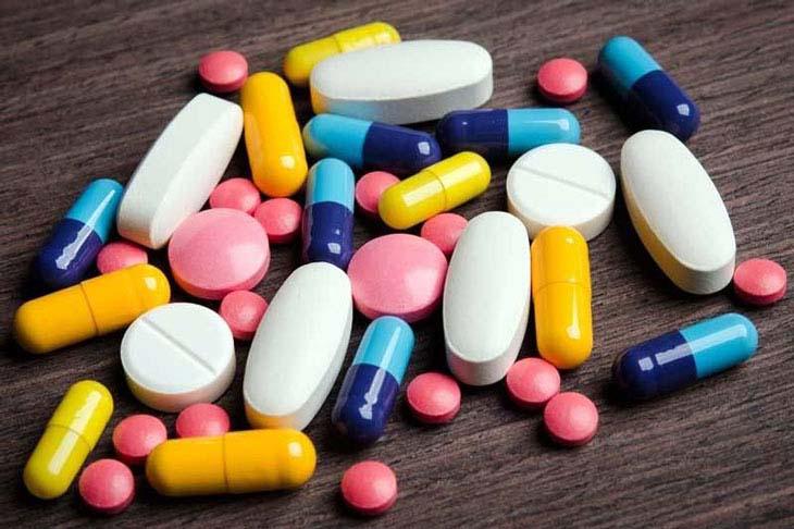 Uống thuốc Tây y chữa trị dứt điểm amidan có đốm trắng