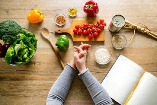 Người bệnh vảy nến nên thực hiện chế độ ăn uống lành mạnh