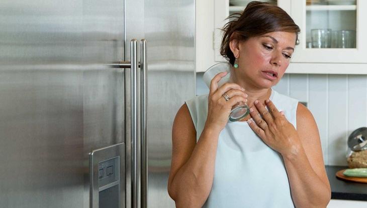 Độ tuổi tiền mãn kinh ở phụ nữ thường trong giai đoạn 40 - 50 tuổi