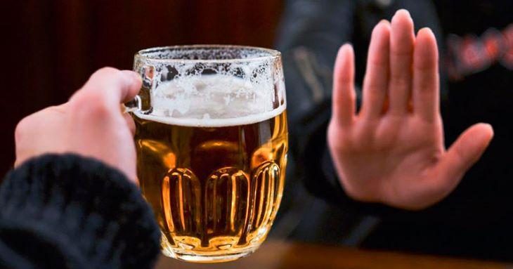 Hạn chế rượu bia khi đang dùng Bạch chỉ chữa bệnh