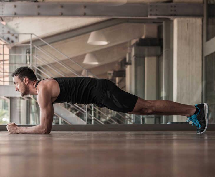 Plank bài tập điều trị rối loạn cương dương mang đến sức mạnh, sự dẻo dai cho nam giới