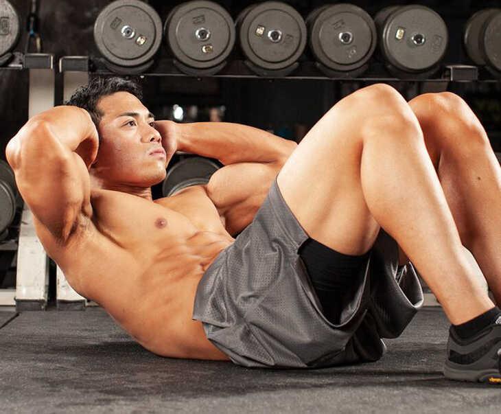 Gập bụng là bài tập điều trị rối loạn cương dương giúp sản sinh nhiều hormone testosterone