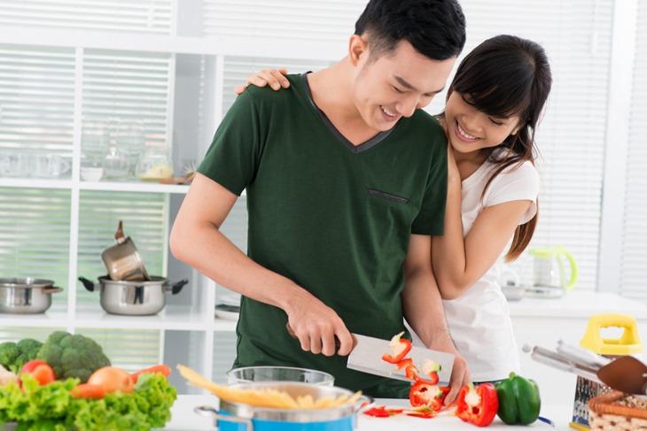 Nam giới nên kết hợp chế độ ăn uống phù hợp để tăng cường sinh lý