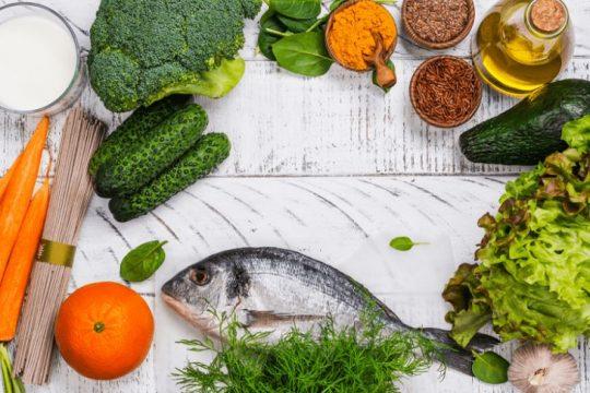 Người bệnh vảy nến nên có chế độ ăn uống hợp lý