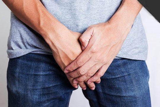 Bệnh vảy nến xuất hiện tại vùng kín, háng, mông gây khó chịu