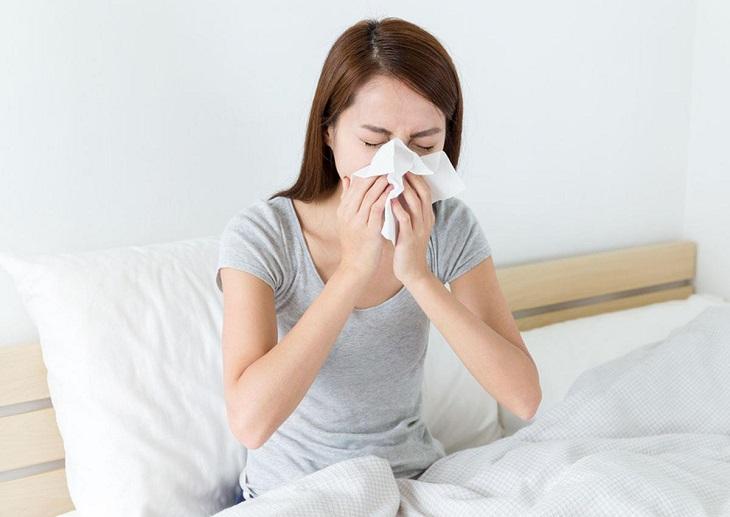 Người bệnh viêm xoang mũi luôn cảm thấy đau nhức đầu khó chịu