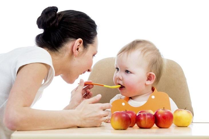 Nên tham vấn chuyên gia dinh dưỡng để thiết lập chế độ ăn lành mạnh có lợi cho cả mẹ và con