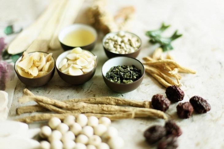 Các bài thuốc Đông y chữa ngứa lưng