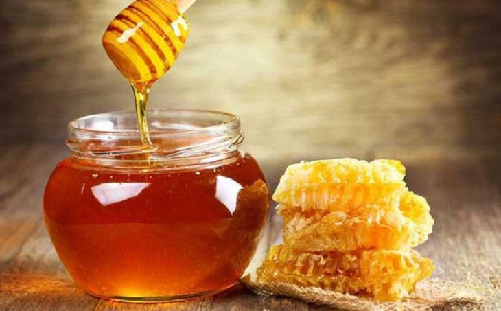Mật ong chứa nhiều hoạt chất kháng viêm tốt cho người bệnh bị viêm mũi dị ứng thời tiết