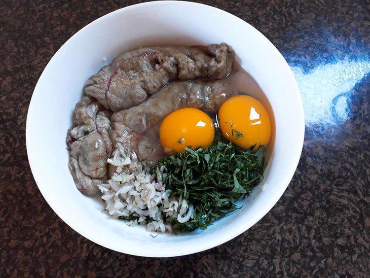 Trứng cá rán lá lốt cũng là một món ăn đơn giản nhưng vô cùng bổ dưỡng cho sinh lý nam