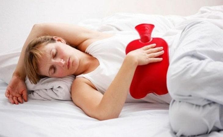 Chườm nóng là cách giảm đau dạ dày nhanh, hiệu quả nhất