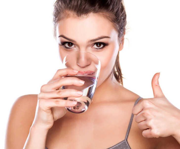 Mỗi ngày người bệnh nên uống 1,5 - 2 lít nước