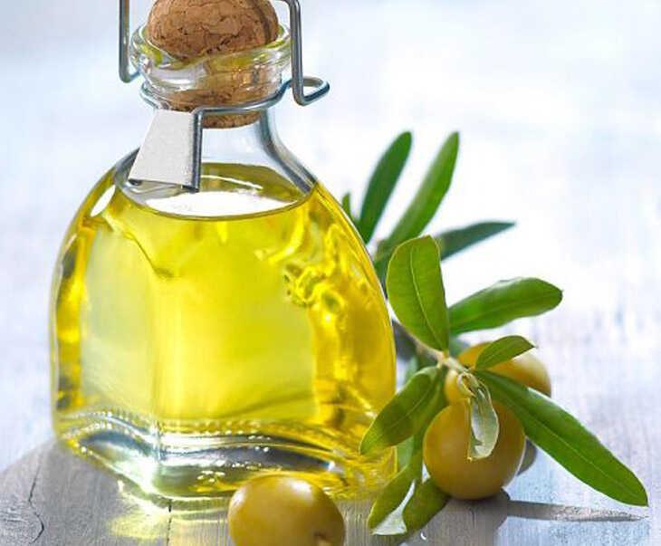 Dầu oliu giúp cung cấp ẩm, chăm sóc da đầu hiệu quả