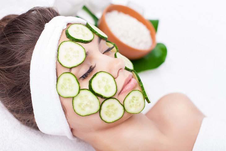 Khắc phục triệu chứng da mặt bị ngứa và khô bằng mặt nạ