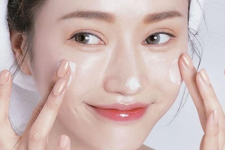 Làm sạch da thường xuyên giúp phòng tránh bệnh da liễu