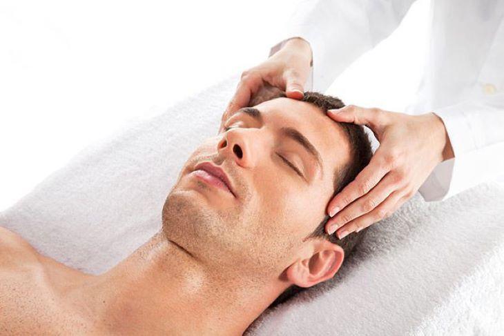 Diện chẩn chữa yếu sinh lý là phương pháp tác động lên các huyệt đạo tương ứng trên mặt để khắc phục bệnh