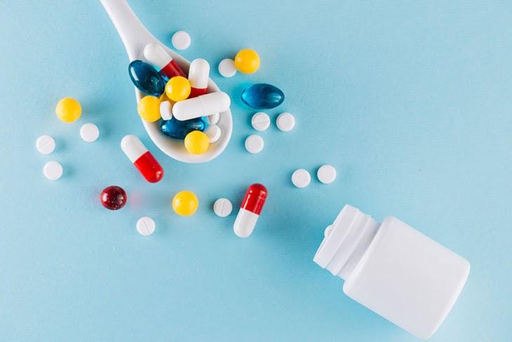 Điều trị mụn sưng đỏ đau không nhân bằng thuốc Tây y