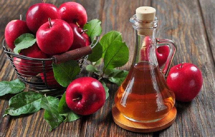 Giấm táo làm xẹp mụn bọc cực kỳ hiệu quả