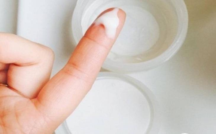 Huyết trắng vón cục không ngứa không phải là dấu hiệu bệnh lý nên chị em không cần quá lo lắng