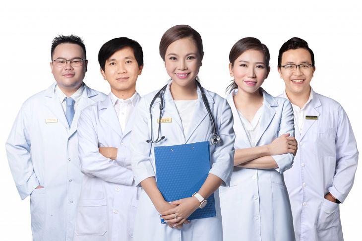 Đội ngũ bác sĩ giỏi là tiêu chí quan trọng để lựa chọn khám viêm xoang ở đâu tốt nhất TPHCM và Hà Nội