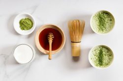 Mặt nạ trà xanh, mật ong và chanh